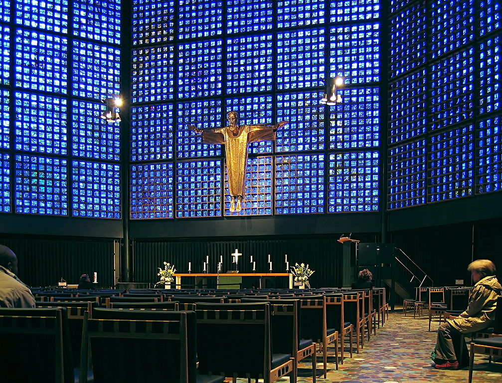 1007px-Berlin_-_Kaiser_Wilhelm_Memorial_Church_-_inside_2