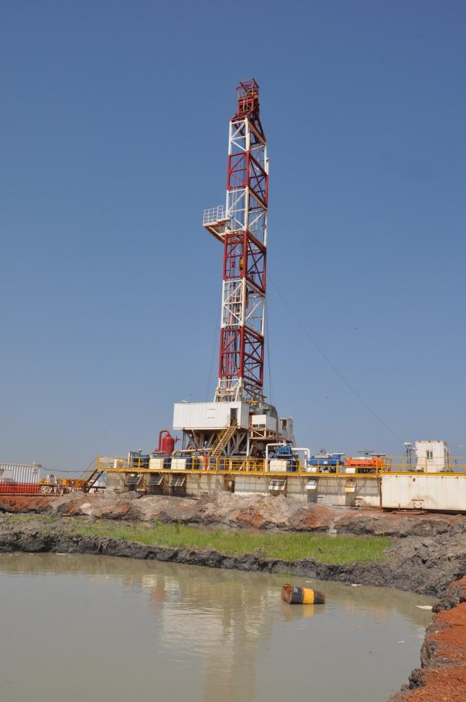 Ölfeld Unity - Bohrstelle - Bohrturm